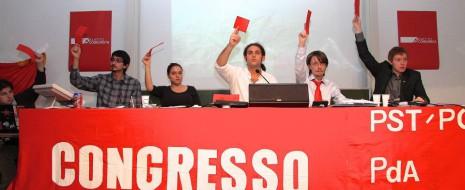 Il coordinatore dei Verdi ticinesi Sergio Savoia ha più volte tentato di ridicolizzare i comunisti ticinesi perché, secondo lui, si potevano riunire in una cabina telefonica. L'ultimo Congresso del Partito […]
