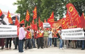 27-mayis-a-hem-kutlama-hem-protesto-667805