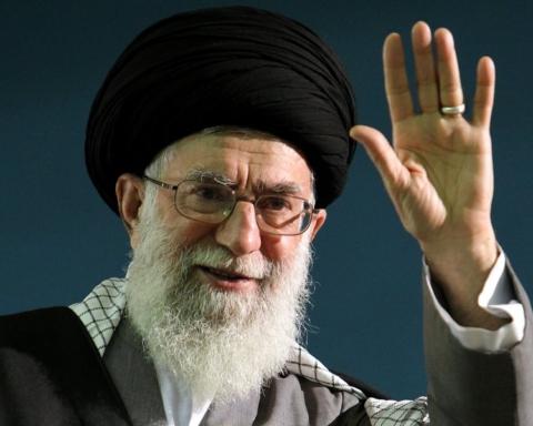 khamenei_moalleman_5_by_khamenei_ir-d54ni5o