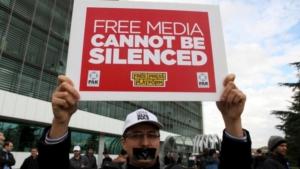 """Quando """"Zaman"""" quotidiano di Fetullah Gülen venne chiuso, non mancarono proteste per la libertà di stampa ai golpisti!"""