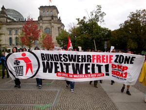 Manifestazione anti-militarista del Partito Comunista Tedesco (DKP)