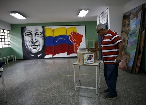 venezuela-referendum.jpg_447211675