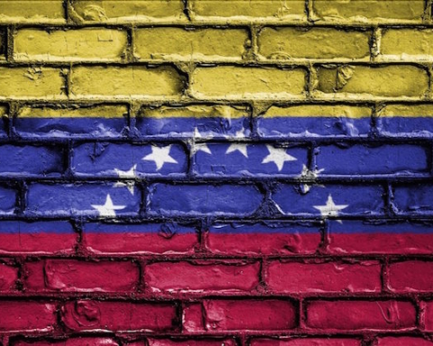 flag-venezuela-1024x768