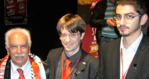 Perinçek con i delegati svizzeri Ay e Speranza