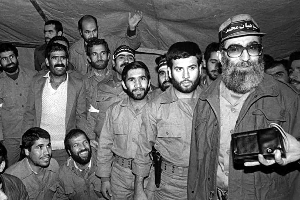"""L'Iran e le Presidenziali: Perché non sono una sfida tra """"riformisti"""" e """"conservatori"""""""